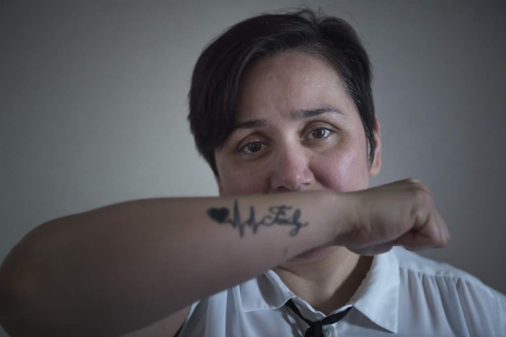 hedersfšrtrycket. 39-Œriga helena frŒn afghanistan giftes bort med sin kusin nŠr hon var 14 Œr. hedersvŒld