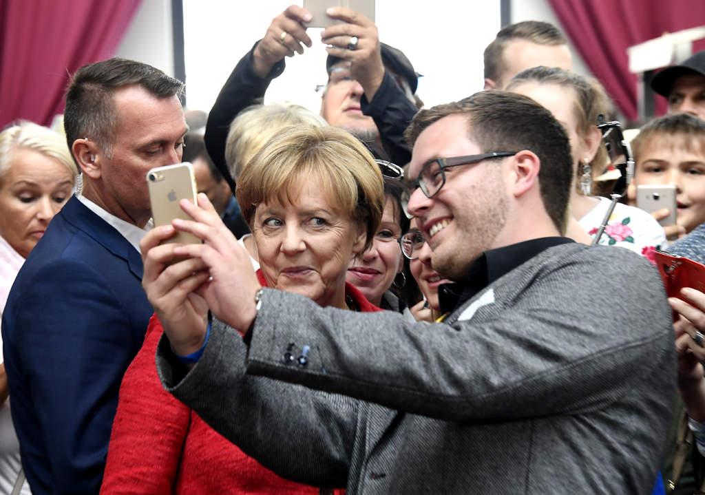 valet i tyskland. angela merkel, politiker (cdu) tyskland fšrbundskansler, kampanjar i wismar