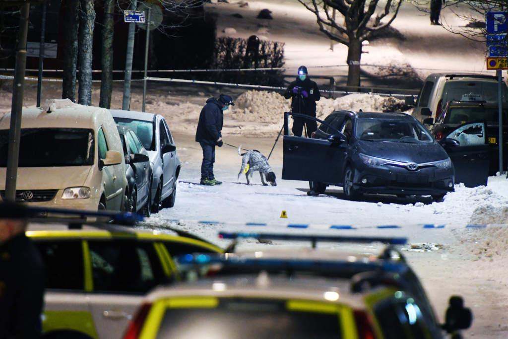 dubbelmord i kista. xxxx  ärvinge i kista den 8 mars 2017.  polisen på mordplatsen