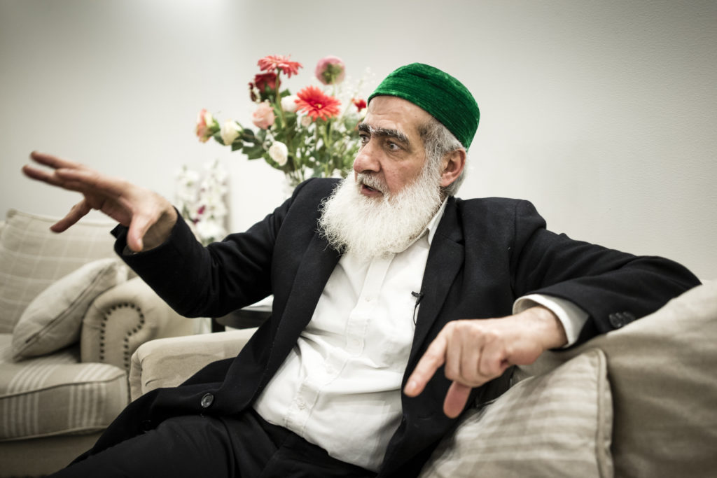 foto : anders deros : reportage ali kahn. ali khan abo saleh i sitt hem i gšteborg. reporter: johanna bŠckstršm lerneby. foto: anders deros