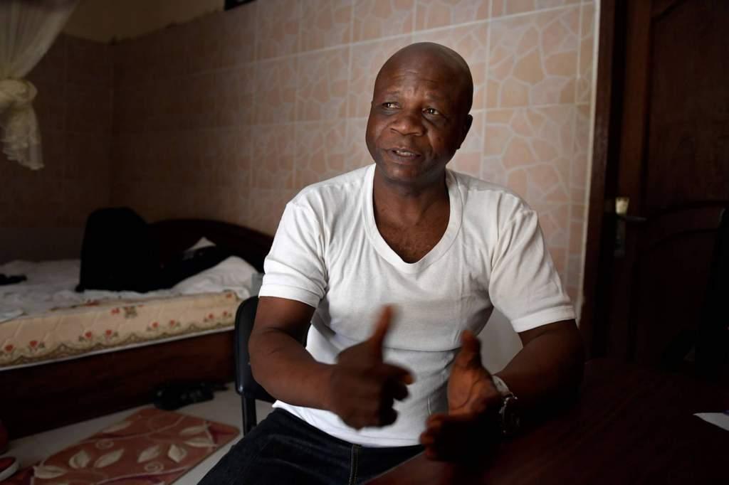 """Jean René Tshimanga, societe civile de Kananga: """"Vem det än var som mördade experterna hade någon betalat dem för att göra det. Varför skulle de annars ha filmat morden?"""" foto: Urban Andersson"""