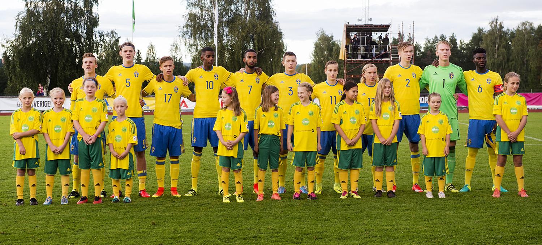 Sveriges P17-landslag i september 2016 – bland annat med Alexander Isak.
